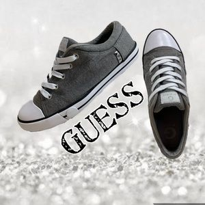 Canvas guess gray/white trim lace up sneakers